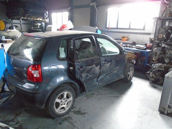Volkswagen  POLO '05