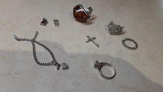 ΑΣΗΜΕΝΙΑ δαχτυλίδια και κρεμαστά