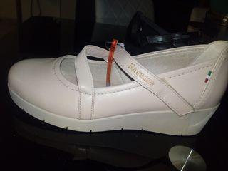 Παπουτσια γυναικεια RAGAZZA 0286 γνησιο δερμα σε μπεζ και μαυρο χρωμα νουμερο 38 σε τιμη κοστους χονδρικης