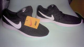 Nike αθλητικά παπούτσια καινούργια