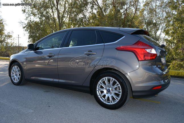 Ford Focus '11 TITANIUM