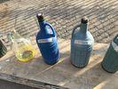 Νταμιτζανες με προστατευτικο πλαστικο περιμετρικα και χερουλια μεταφορας.-thumb-9