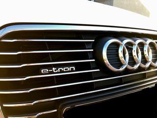 Audi A3 '15 E-TRON S-TRONIC