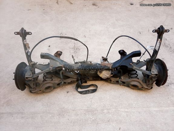 Πίσω άξονας με  δισκόφρενα και αισθητήρες ABS, ανάρτηση  με ελατήρια Volvo C30 d 2007-2013.