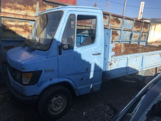 Mersedes 208 Βενζίνη  για ανταλακτικα