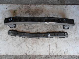 Τραβέρσα προφυλακτήρα και ψυγείου Toyota Aygo, Citroen C1, Peugeot 107
