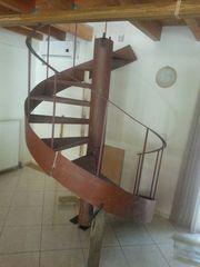 Σκάλα σιδερένια εσωτερικού ή εξωτερικού χώρου