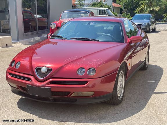 Alfa Romeo GTV '01