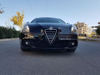 Alfa Romeo Giulietta '12 ### DNA DISTINCTIVE ###