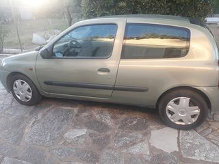 Renault Clio '03