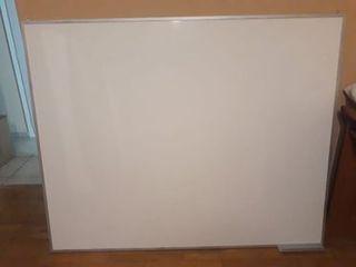 Πωλείται λευκός πίνακας μαρκαδόρου 120x180