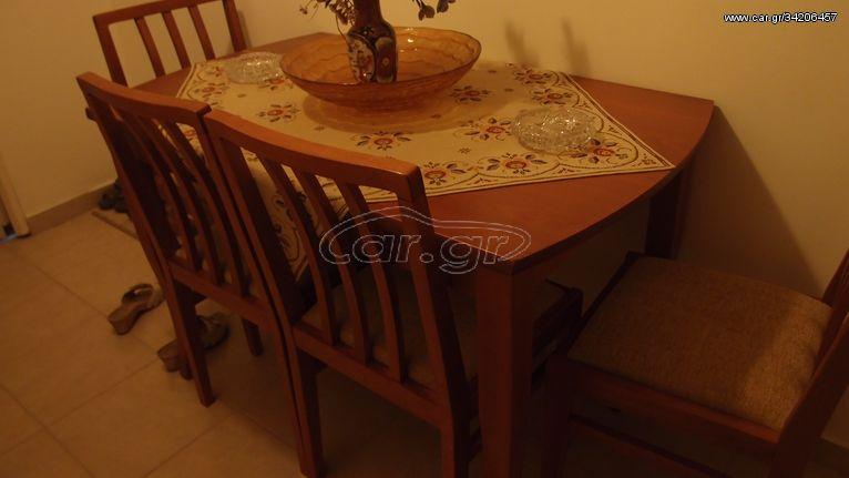 Τραπεζαρία κουζίνας με 4 καρέκλες