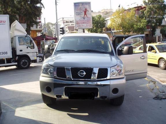 Nissan Titan '06  V8 GAS 310 ps Navara