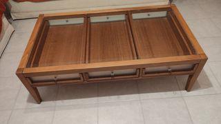 Ξύλινο τραπέζι σαλονιού με γυάλινη επιφάνεια