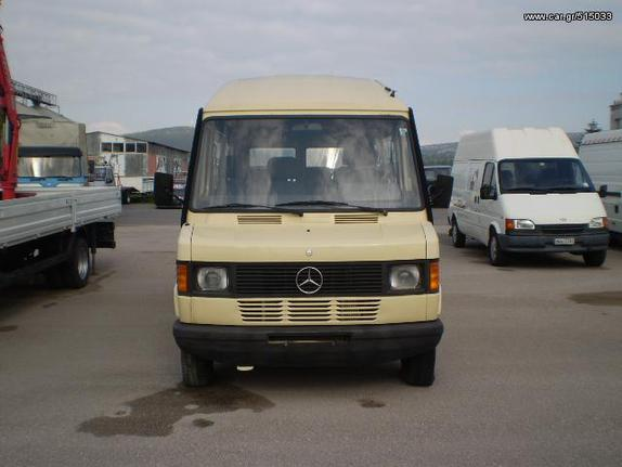 Mercedes-Benz '96 208D 15-ΘΕΣΙΟ