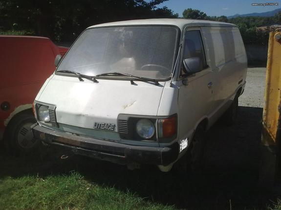 Toyota '90 LITE-ACE