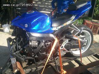 Olokliri motosikleta gsxr750 modelo 2010 mono komata