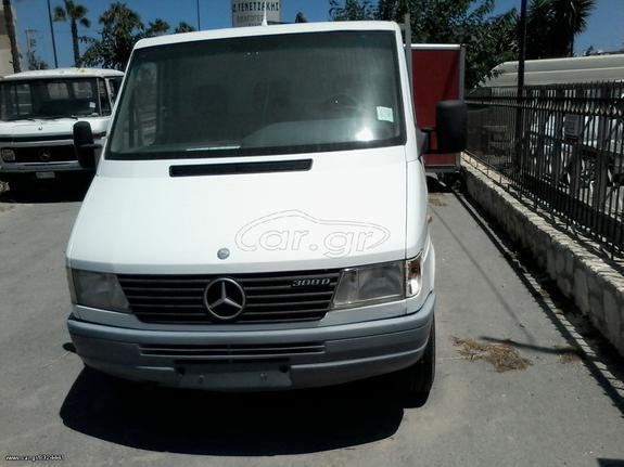 Mercedes-Benz '00