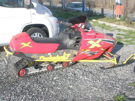 Polaris '04 snowmobile..