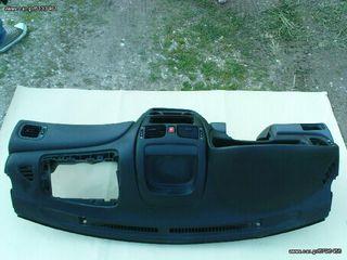 Ταμπλο κ Ντουλαπακι απο Nissan Almera 1.500cc 3θυρο μοντ '07.